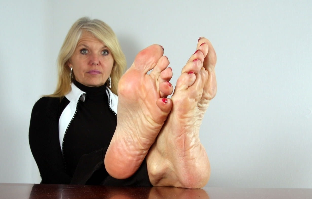 Feet Over Forty Pics photo 23