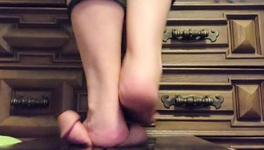 Barefoot Trample Videos photo 2