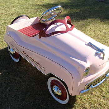 Instep Pink Pedal Car photo 23
