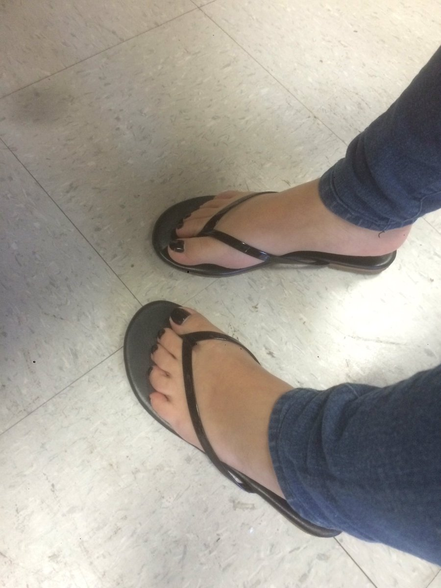 Rate Her Feet photo 14