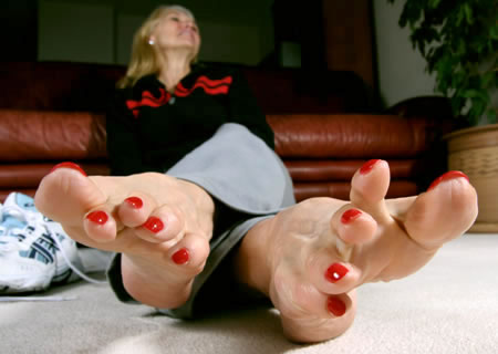 Feet Over Forty Pics photo 10
